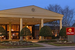 clarion hotel historic district, pet friendly hotels in williamsburg; hotels with dogs allowed in williamsburg, virginia